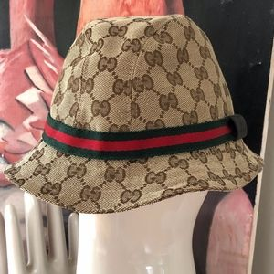 Gucci bucket hat hat in GG Supreme canvas Size M